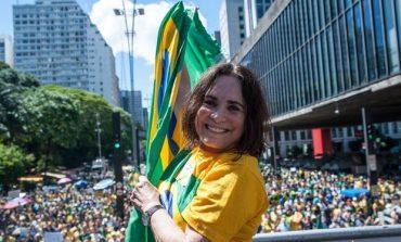 'Vambora, com muito amor no coração', escreve Regina Duarte, convidada a entrar para o governo