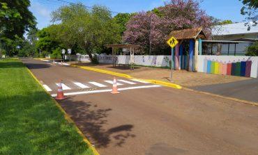 Sinalização de faixas de pedestres é reforçada em frente às escolas rondonenses