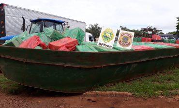 Operação Hórus apreende embarcação carregada com cerca de 30 mil pacotes de cigarros paraguaios
