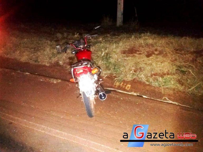Motociclista fica ferido após colidir contra caminhão que estava parado na pista em Marechal Rondon