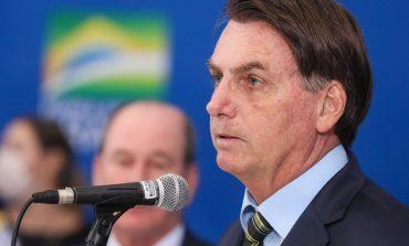 Bolsonaro defende reabertura do comércio e pede que prefeitos e governadores alterem decisões contrárias