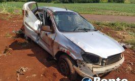 Veículo com placas de Marechal Rondon capota no interior de Mercedes