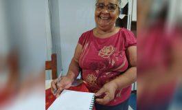 Com o EJA, dona Maria, de Nova Santa Rosa, saiu do analfabetismo e passou à era digital