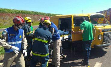 Condutor de Kombi fica ferido após capotamento do veículo na BR-467, em Toledo