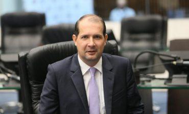 Deputado Marcel Micheletto destina verba para aquisição de van à Saúde de Entre Rios do Oeste