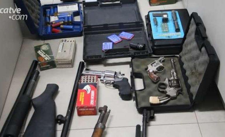 Armas e mais de 400 munições são apreendidas em Toledo