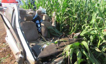 Homem morre em acidente entre carro e caminhão em Santa Helena