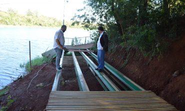 Reforma da passarela será finalizada em até 30 dias em Entre Rios do Oeste