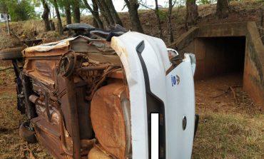 Condutora fica ferida após sair da pista e bater em árvores, entre Marechal Rondon e Pato Bragado