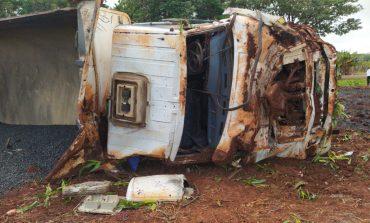 Motorista morre após caminhão tombar na PR-317 em Santa Helena