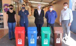 Escolas e Cmeis de Nova Santa Rosa recebem lixeiras de coleta seletiva