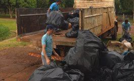 Pescadores de Porto Mendes retiram mais de uma tonelada de lixo do Lago de Itaipu