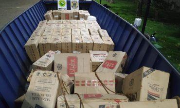 Policiais apreendem barco, caminhão e 300 caixas de cigarros no interior de Marechal Rondon