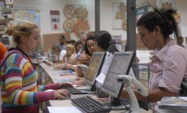 Intenção de consumo das famílias tem maior queda em dez anos, diz CNC