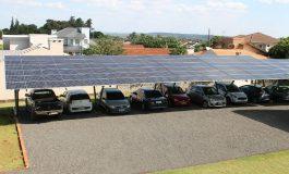Com uso de energia solar Mercedes economiza somente em maio cerca de R$ 20 mil