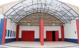 Ginásio Eurides Priebe recebe nova cobertura no hall de entrada e manutenção interna