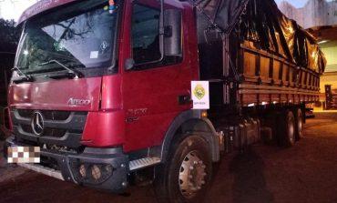 BPFron apreende caminhão carregado com cigarros na cidade de Santa Helena