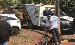 IML recolhe corpo de homem que foi esfaqueado dentro de casa em Marechal Rondon