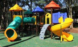 Mercedes instala playgrounds nos distritos de Três Irmãs e Arroio Guaçu