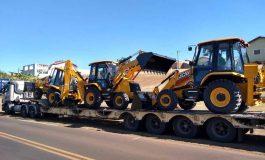 Governo entrega tratores e equipamentos agrícolas a municípios