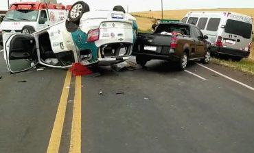 Uma pessoa morreu e outras 5 ficaram feridas em grave acidente, hoje (16), com 4 veículos na PR-182