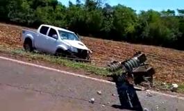 Condutor perde controle do veículo e derruba poste no interior de Marechal Rondon