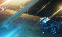 Condutor fica ferido ao bater veículo contra poste em Toledo; PRE de Marechal Rondon atendeu a ocorrência