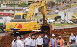 Governador Ratinho Junior vistoria início das obras do Trevo Cataratas, em Cascavel