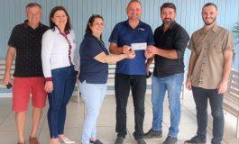 Associação Rondonense de Ciclismo faz doação de R$ 3 mil à Apae de Marechal Rondon