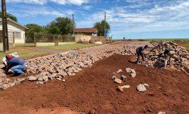 Seguem as obras de pavimentação na sede de Porto Mendes