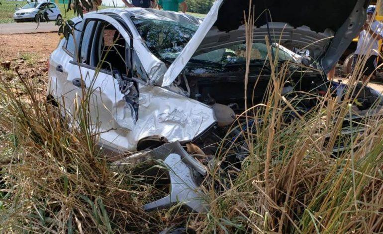 PRE de Marechal Rondon atende acidente com duas pessoas feridas após colisão entre dois veículos