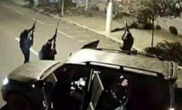 Quadrilha aterroriza centro de Criciúma durante assalto a banco; assista ao vídeo