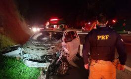 Mulher vai a óbito em acidente na BR-277, marido e dois filhos, de 6 e 2 anos, ficaram feridos