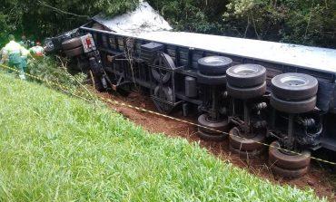 As três vítimas fatais estavam em Celta de Toledo, na colisão frontal entre carro e caminhão na BR-277