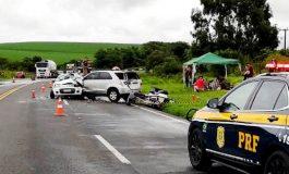 Duas pessoas morreram em acidente com quatro veículos na BR-277, em Palmeira, na manhã de hoje (18)