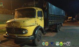 PF e BPFron prendem homem e apreendem veículo e caminhão com carregamento milionário de contrabando