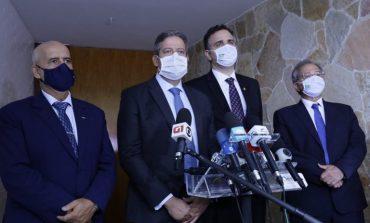 Lira, Pacheco e Guedes se comprometem a acelerar a volta do auxílio emergencial